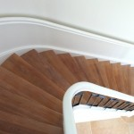 Gebogen eenkwart trap