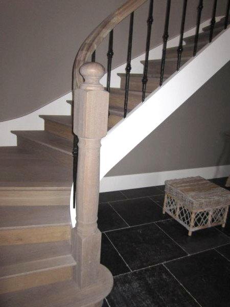 Leuningen en hekken van der geest trappen van der for Stalen trap maken
